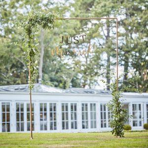 bruiloft-decoratie-backdrop-standaard-koper-botanical-wedding-2