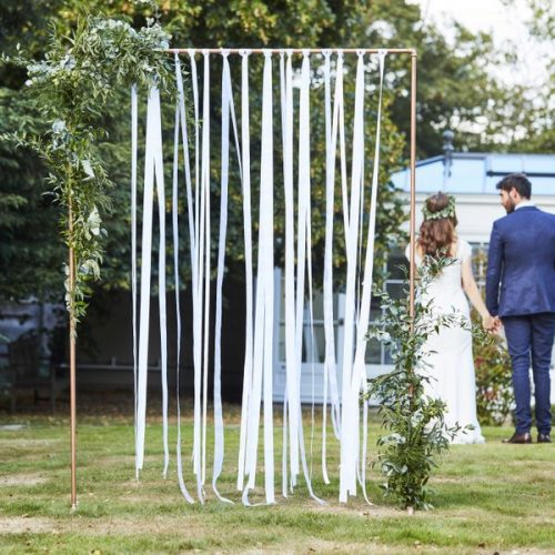 bruiloft-decoratie-backdrop-wit-lint-botanical-wedding-2