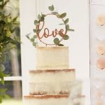 bruiloft-decoratie-cake-topper-love-brons-botanical-wedding-2