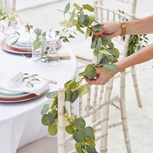 bruiloft-decoratie-eucalyptus-slinger-botanical-wedding-2