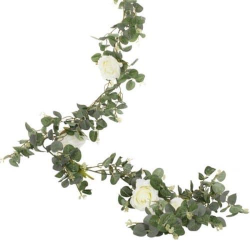 bruiloft-decoratie-eucalyptus-slinger-met-rozen-botanical-wedding