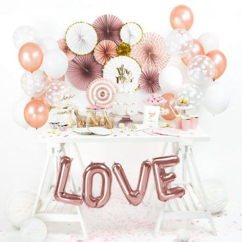bruiloft-decoratie-folieballonnen-love-modern-rosegoud
