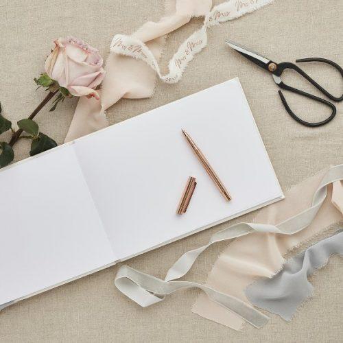 bruiloft-decoratie-gastenboek-ivoor-diy-wedding-003