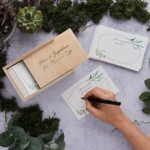 bruiloft-decoratie-houten-advice-box-geometric-greenery-3