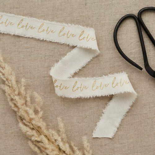 bruiloft-decoratie-lint-love-goud-diy-wedding-001