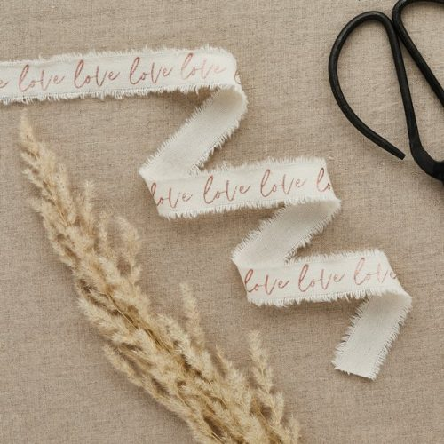 bruiloft-decoratie-lint-love-rosegoud-diy-wedding-001