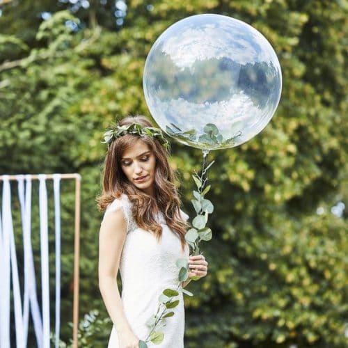 bruiloft-decoratie-orb-ballonnen-met-eucalyptus-botanical-wedding-2