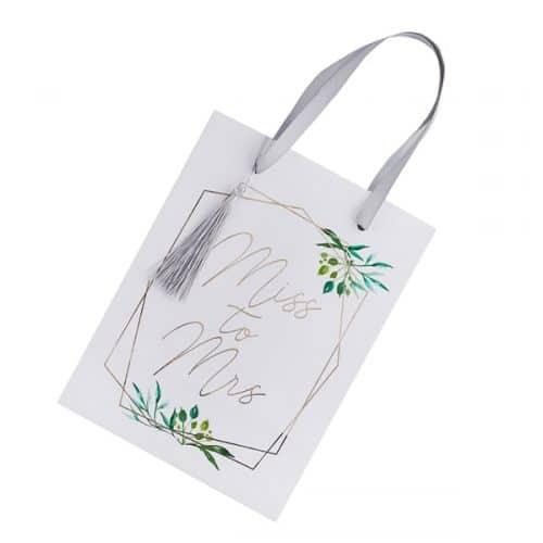 bruiloft-decoratie-papieren-tasjes-miss-to-mrs-geometric-hen