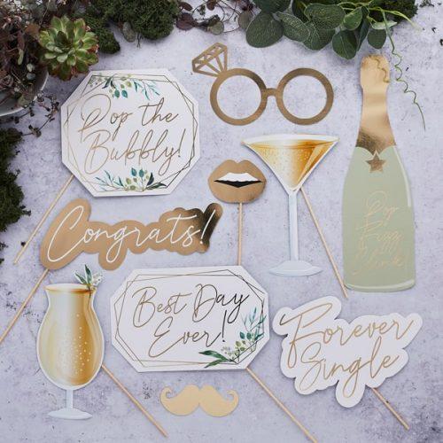 bruiloft-decoratie-photobooth-props-geometric-greenery-5