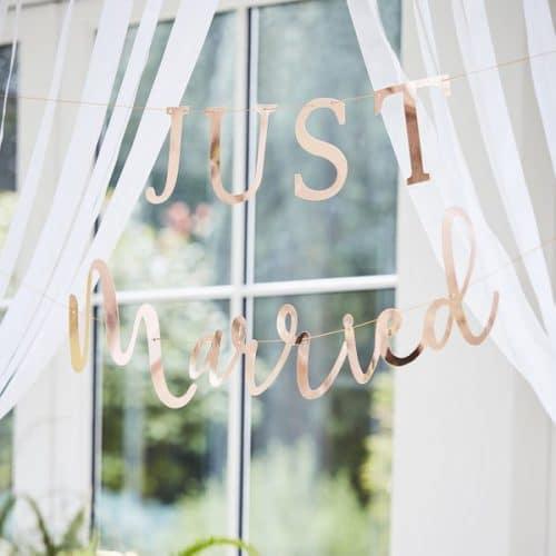 bruiloft-decoratie-slinger-just-married-koper-botanical-wedding-2