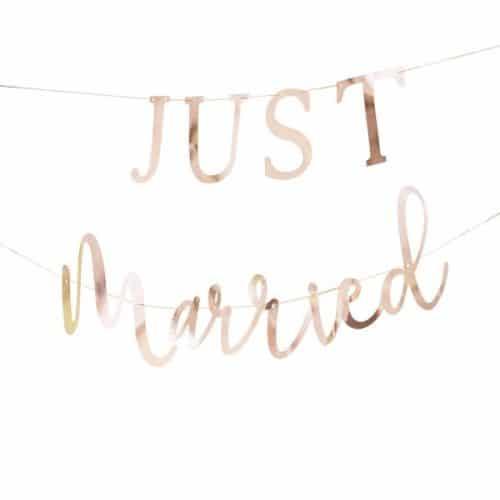 bruiloft-decoratie-slinger-just-married-koper-botanical-wedding