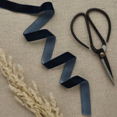 bruiloft-decoratie-velvet-lint-navy-blue-diy-wedding-001