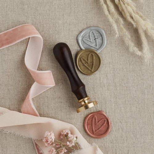 bruiloft-decoratie-wax-stempel-heart-diy-wedding-001