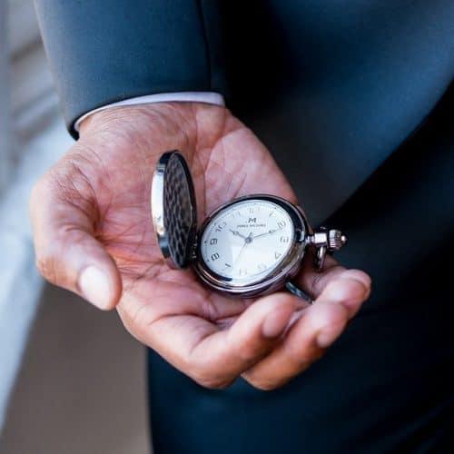 bruiloft-decoratie-zakhorloge-gold-frame-modern-groomsman-gepersonaliseerd-2