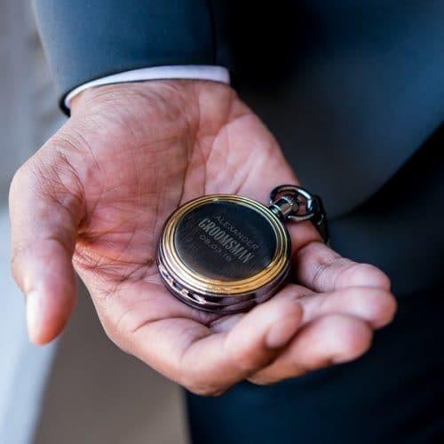 bruiloft-decoratie-zakhorloge-gold-frame-modern-groomsman-gepersonaliseerd