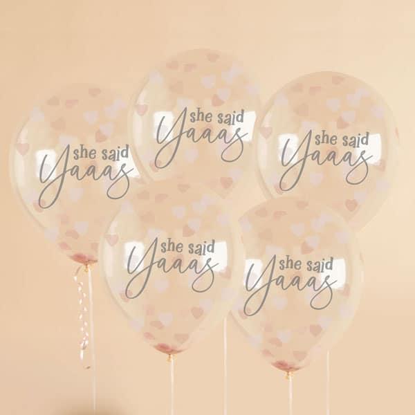 vrijgezellenfeest-decoratie-confetti-ballonnen-she-said-yaaas