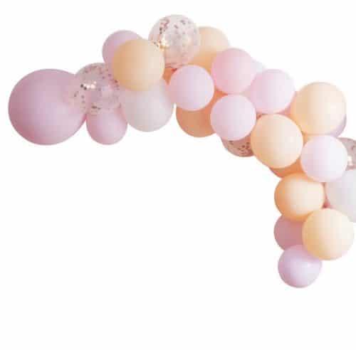 vrijgezellenfeest-versiering-ballonnenboog-blush-hen