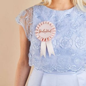 vrijgezellenfeest-versiering-bridesmaid-badge-she-said-yaaas