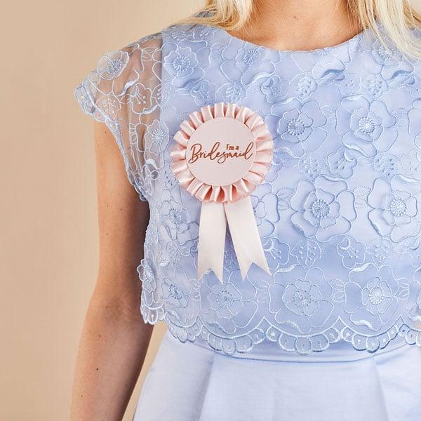 vrijgezellenfeest-versiering-bridesmaid-badge-she-said-yaaas