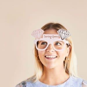vrijgezellenfeest-versiering-brillen-she-said-yaaas-2