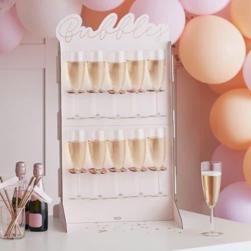 vrijgezellenfeest-versiering-bubbles-wall-blush-hen-2