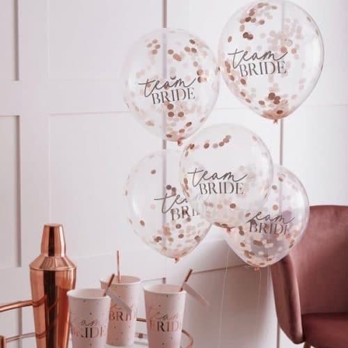 vrijgezellenfeest-versiering-confetti-ballonnen-blush-hen-2