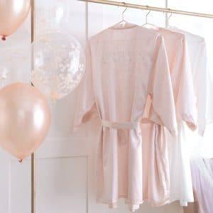 vrijgezellenfeest-versiering-kimono-brides-besties-blush-hen-2