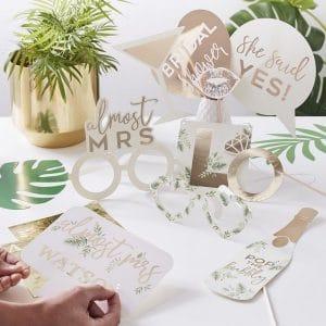 vrijgezellenfeest-versiering-photobooth-props-botanical-hen-gepersonaliseerd-2