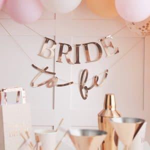 vrijgezellenfeest-versiering-slinger-bride-to-be-blush-hen-2