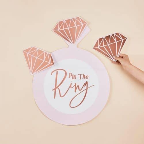 vrijgezellenfeest-versiering-vrijgezellenfeest-spel-pin-the-ring-she-said-yaaas