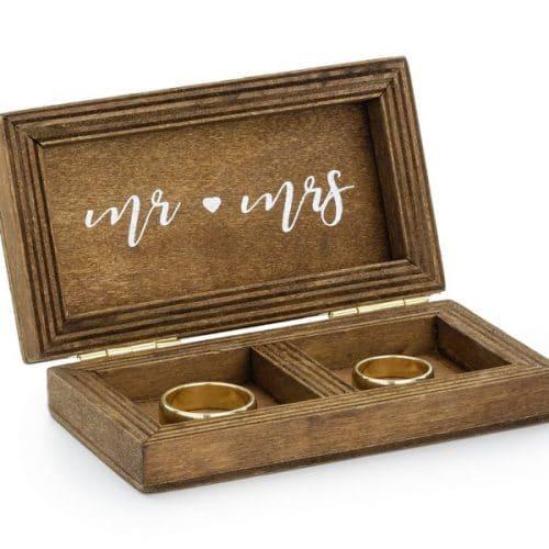 bruiloft-decoratie-houten-ringdoosje-we-do