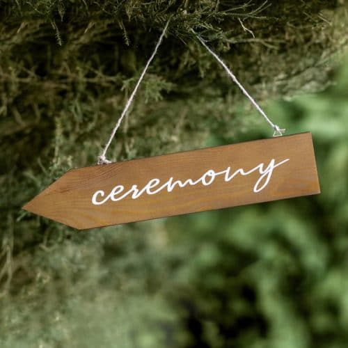 bruiloft-decoratie-houten-wegwijzer-ceremony-2