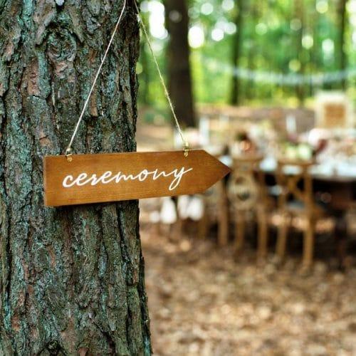 bruiloft-decoratie-houten-wegwijzer-ceremony-3