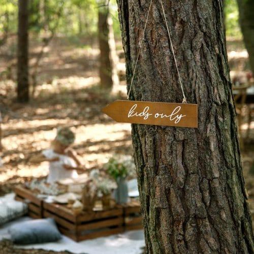 bruiloft-decoratie-houten-wegwijzer-kids-only-3