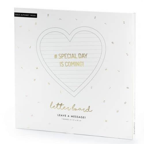 bruiloft-decoratie-vilten-letterbord-heart