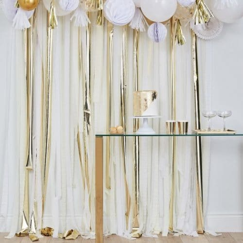 bruiloft-decoratie-backdrop-streamer-gold-white-mix-it-up-gold-2.jpg