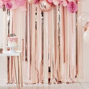 bruiloft-decoratie-backdrop-streamer-rose-gold-pink-mix-it-up-pink-2.jpg