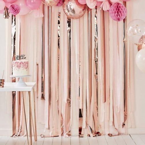 bruiloft-decoratie-backdrop-streamer-rose-gold-pink-mix-it-up-pink-2.jpg