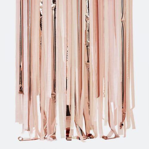 bruiloft-decoratie-backdrop-streamer-rose-gold-pink-mix-it-up-pink.jpg