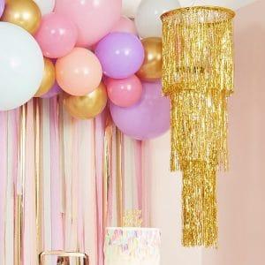 bruiloft-decoratie-gouden-kroonluchter-mix-it-up-pastel-2.jpg