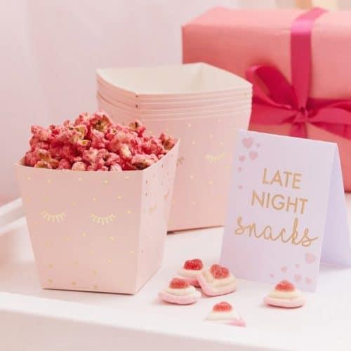 bruiloft-decoratie-popcorn-bakjes-midnight-snacks-pamper-party-2.jpg