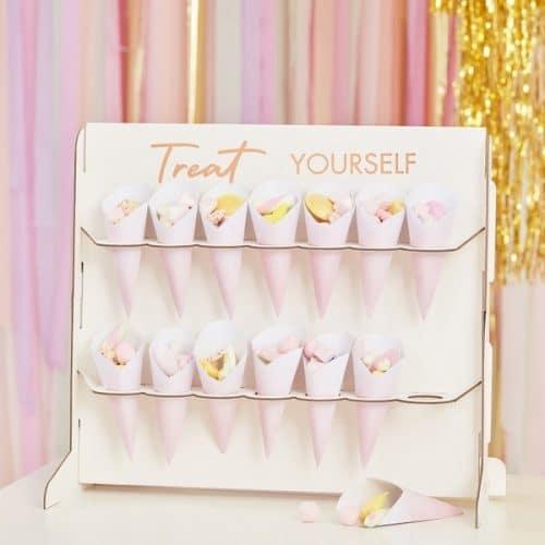 bruiloft-decoratie-standaard-met-cones-treat-yourself-mix-it-up-pastel-2.jpg