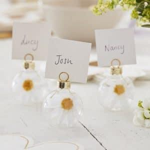 bruiloft-decoratie-plaatskaarthouders-daisy-crazy-2.jpg