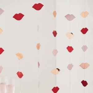 bruiloft-decoratie-backdrop-lips-hey-good-looking-2.jpg