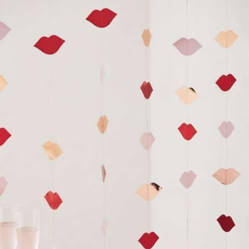bruiloft-decoratie-backdrop-lips-hey-good-looking-2.jpg