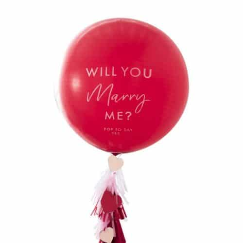 bruiloft-decoratie-mega-ballon-will-you-marry-me-hey-good-looking.jpg