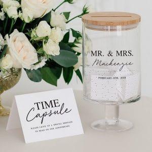 bruiloft-decoratie-gastenboek-mr-mrs-time-capsule-gepersonaliseerd