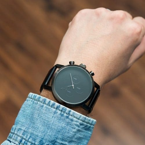 bruiloft-decoratie-horloge-serif-black-gepersonaliseerd