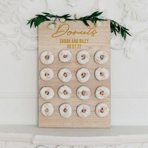 bruiloft-decoratie-houten-donut-wall-donuts-gepersonaliseerd-2