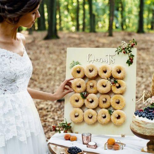 bruiloft-decoratie-houten-donut-wall-forest-wedding-3